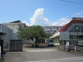 大野町立揖東中学校 - Wikipedia