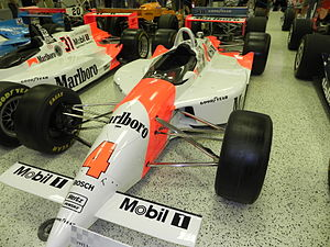 1993 Indianapolis 500 - Image: Indy 500winningcar 1993