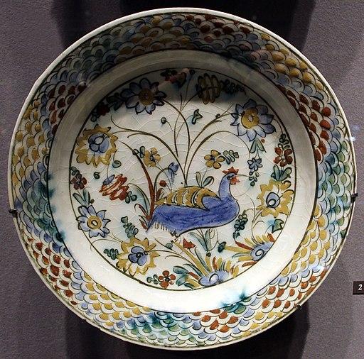 Iran, isfahan, forse qumisha, piatto con gallo, 1580-1630 ca.