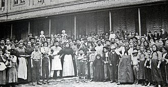 European immigration to Brazil - Italian immigrants in the Hospedaria dos Imigrantes, in São Paulo.