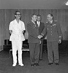 Jânio da Silva Quadros, presidência da República, condecora o major Iuri Alekseievitch Gagarin, em Brasília.jpg