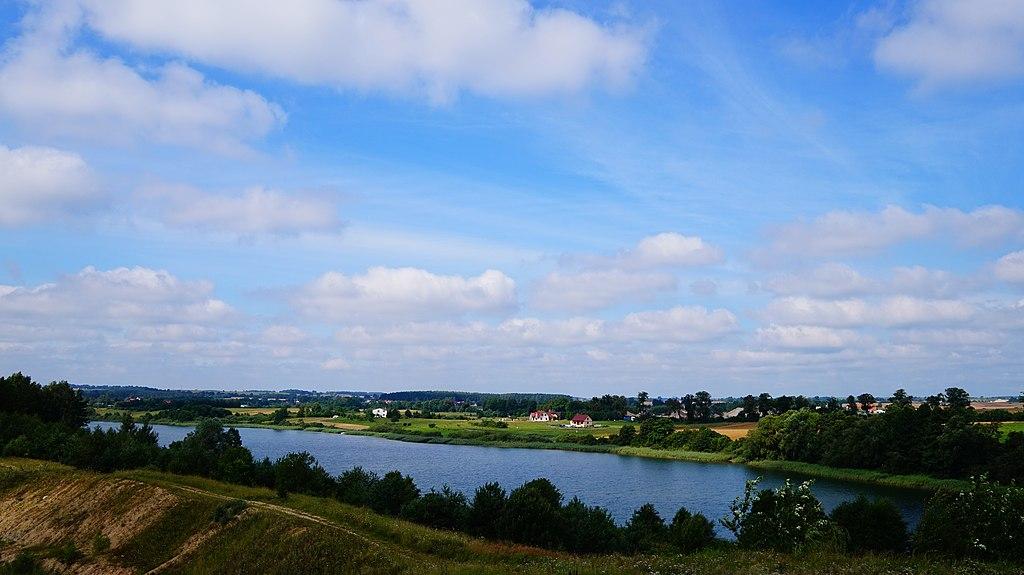 1024px-Jezioro_Godziszewskie%2C_wie%C5%9B_Godziszewo%2C_pow._starogardzki_-_panoramio.jpg