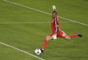 Jon Busch - Goal kick versus LA Galaxy in 2013