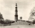 KITLV 377921 - Clifton and Co. - The Qutab Minar in Mehrauli in Delhi - Around 1890.tif