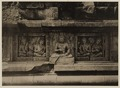 KITLV 40057 - Kassian Céphas - Reliefs on the terrace of the Shiva temple of Prambanan near Yogyakarta - 1889-1890.tif