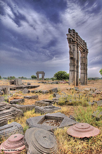 Kakatiya dynasty - Ruins of the Kakatiya Kala Thoranam (Warangal Gate).