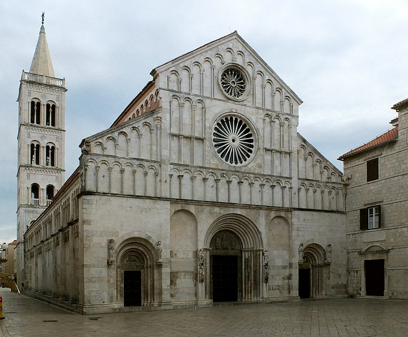 Kathedrale St. Anastasia.jpg