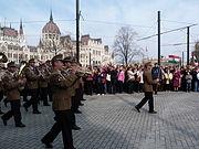 Katonazenekar felvonulása - Kossuth tér, 2014.03 (2).JPG