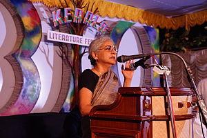 Githa Hariharan - Image: Keralaliteraturefest ival 08775