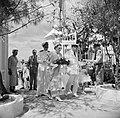 Koningin Juliana bij aankomst op Bonaire, Bestanddeelnr 252-3818.jpg