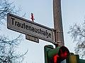 Korkmännchen Trautenaustraße 20161227 4.jpg