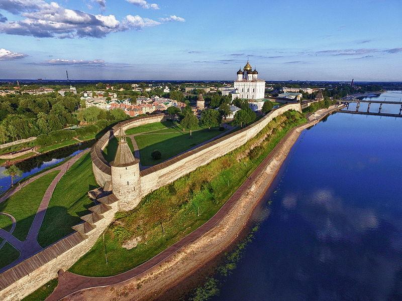 File:Kremlin Pskov.jpg