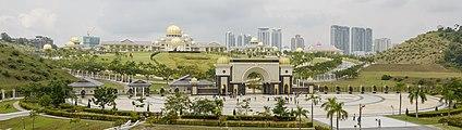 Kuala Lumpur Malaysia-Istana Negara-Jalan-Duta-02.jpg