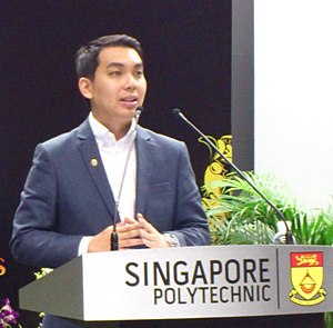 Yap speaking at a youth forum about the risks and returns of Southeast Asia's economy.