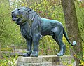 Löwenstatue Hellabrunn München.jpg