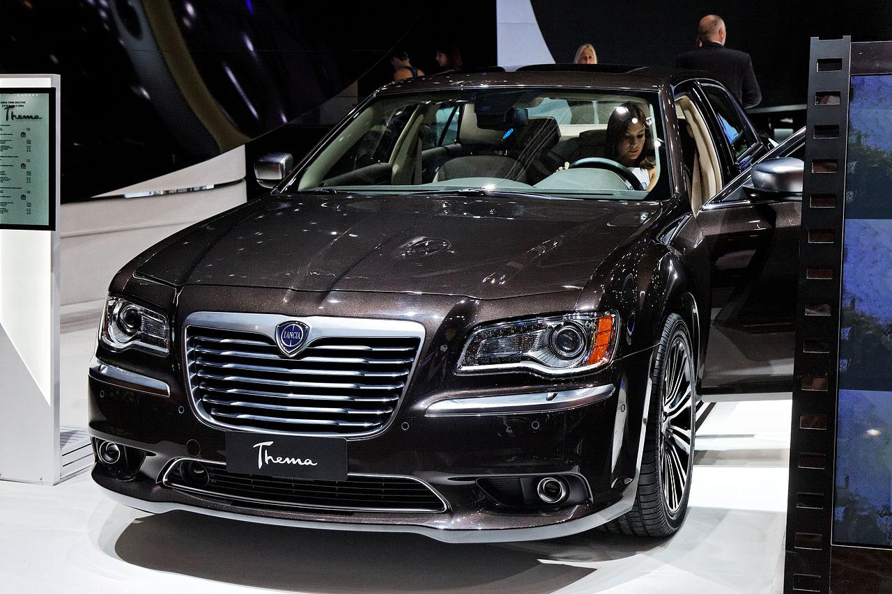 file lancia thema mondial de l 39 automobile de paris 2012 wikimedia commons. Black Bedroom Furniture Sets. Home Design Ideas
