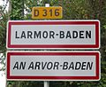 Larmor-Baden bilingual sign.jpg