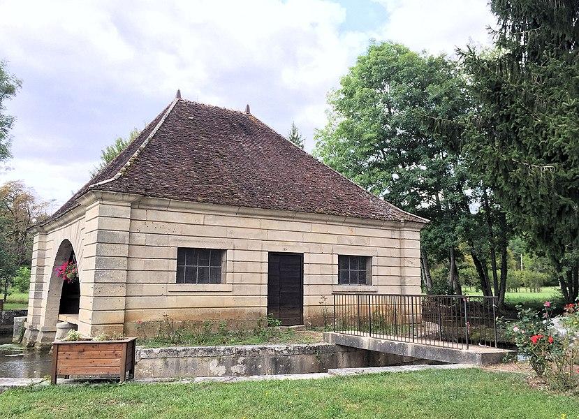 Lavoir de Voutenay-sur-Cure