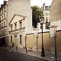Lavoir du marché Lenoir, Paris 2014.jpg
