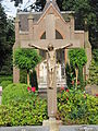 Leusden - Kruisbeeld op de begraafplaats achter de Sint Jozefkerk.jpg