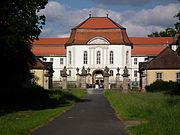 Licht und Schatten Schloss Fasanerie Eichenzell Juni 2012.JPG