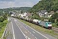 Linz Am Rhein BLOG 2837 (E186 229) met een VTG keteltrein (27712334703).jpg