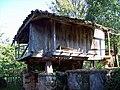 Llandelatabla , horreo. casa natal de mi padre - panoramio.jpg