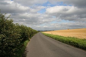 English: Long road The road to Hithercroft at ...