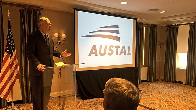 File:Luther Strange speaking at Austal USA Supplier Day in