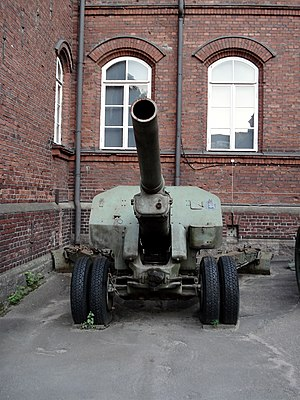 152 mm howitzer M1938 (M-10) - M-10 howitzer, displayed in Helsinki Military Museum.