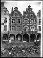Maison - Façades des maisons de la Grande Place - Arras - Médiathèque de l'architecture et du patrimoine - APDU001333.jpg