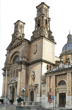 Malta-Hamrun-parish-church.jpg