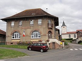 The town hall in Manonviller