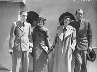 Roderich Menzel - Arrival of international tennis stars to compete in the summer 1934–1935 Australian tournaments. Menzel with his first wife Bucky on the right.