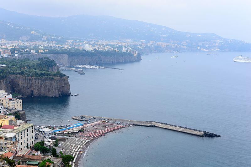File:Meta - Sant Agnello - Campania - Italy - July 12th 2013.jpg