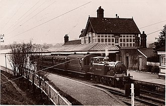 Midhurst railway station - Station with LB&SCR D1 class No. 34 Balham.