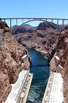 Mike O'Callaghan–Pat Tillman Memorial Bridge - Wikipedia