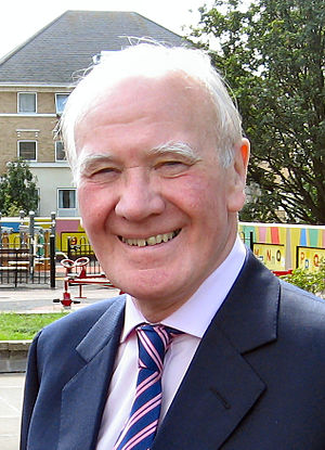 Liberal Democrats leadership election, 2006 - Image: Ming Campbell during visit to Brent in September 2006