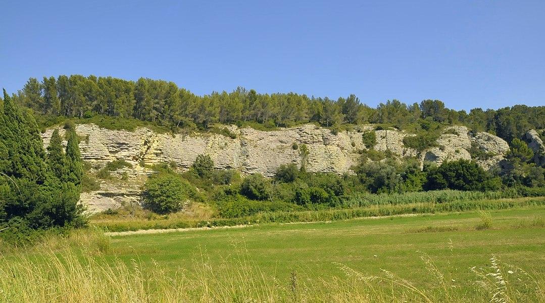 Typische Felsformation der Montagnette bei Boulbon