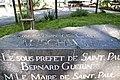 Monument aux Morts de Saint-Paul - Commémoration de la Libération des Camps - de dessus.jpg