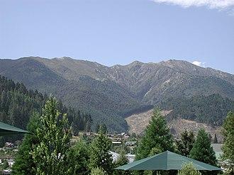 Hanmer Springs - Mount Isobel behind Hanmer Springs