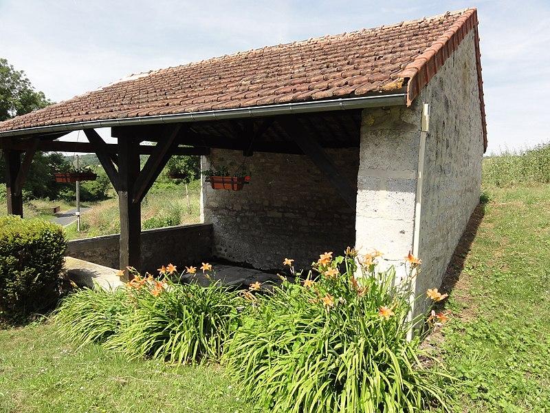 Moussy-Verneuil (Aisne) lavoir à Moussy
