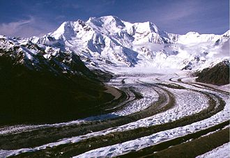 Kennicott Glacier - Kennicott Glacier on approach to Mount Blackburn