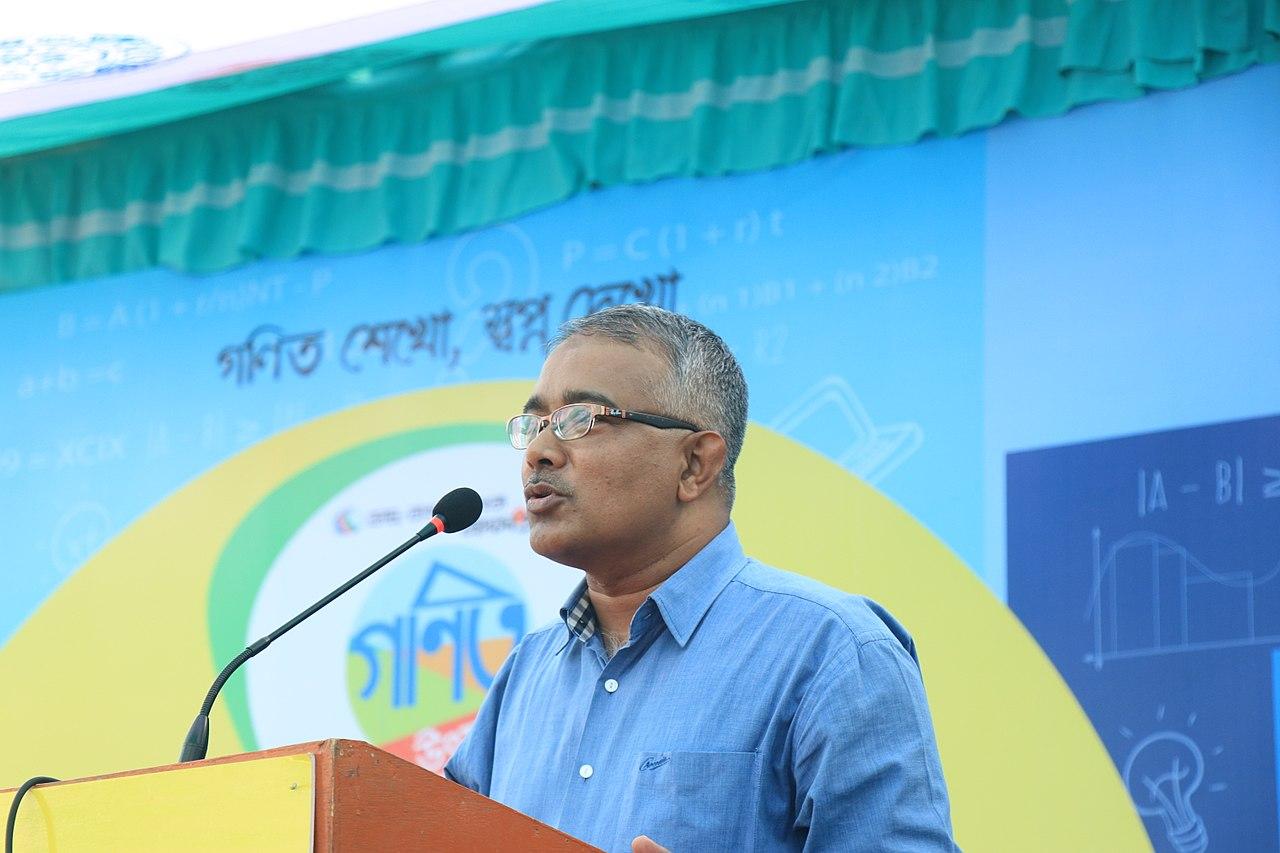 File:Munir Hasan at Dhaka regional math Olympiad 2018 jpg