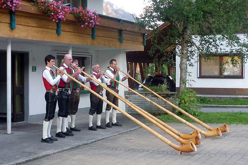 File:Musikkapelle-Schattwald-8.jpg
