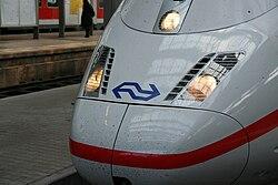 Logo der NS auf einem ICE3M