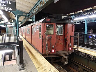 Redbird trains - Image: NYC Subway Redbird train 1