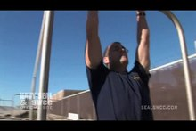 ملف:Navy-seal-buds-training-pull-ups.ogv