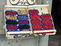 Nemi - fragoline e frutti di bosco locali.JPG