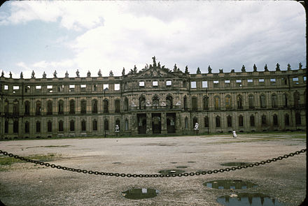 A war-damaged Neues Schloss at Schlossplatz prior to restoration, 1956. Neues Schloss Stuttgart (1956).jpg